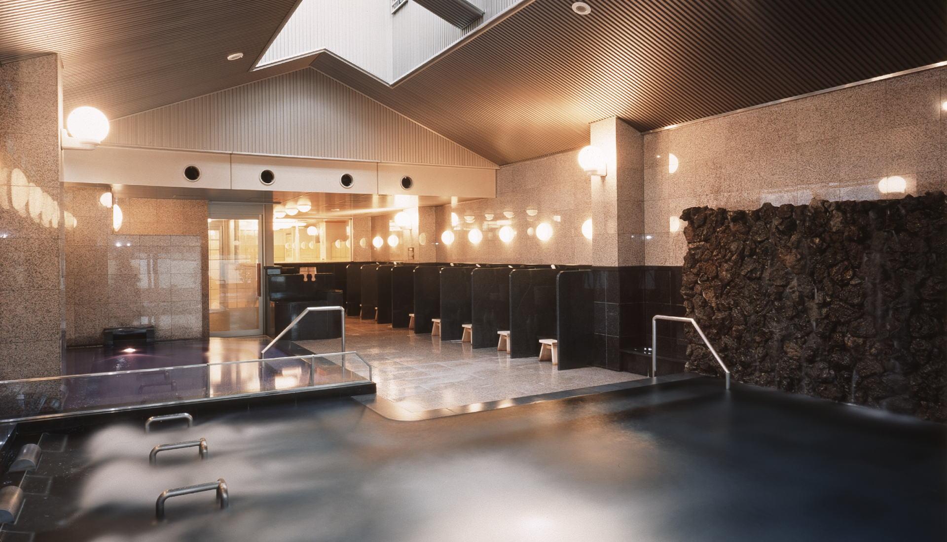 顶层的大浴场