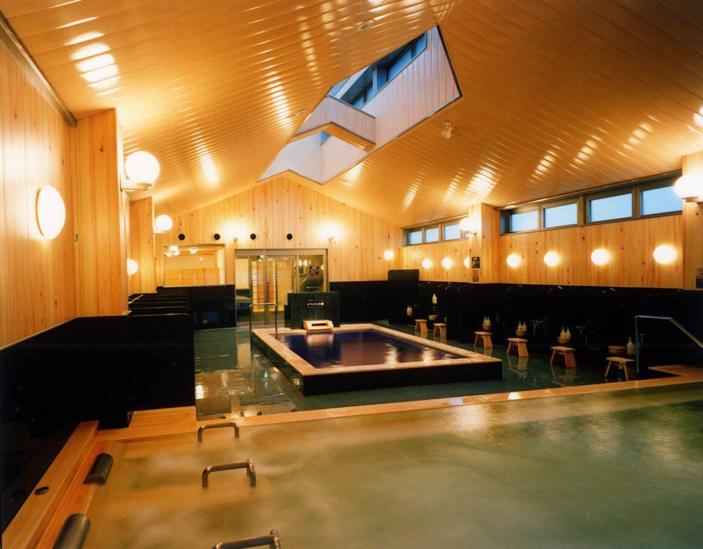 頂層的大浴場「木之湯」 / 京都松榮旅館