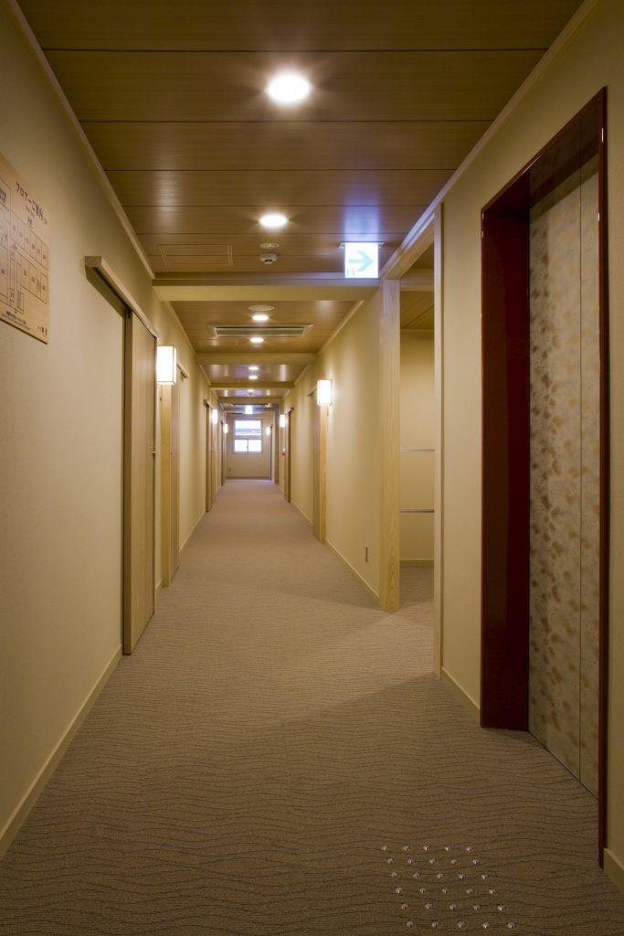 新館走廊 / 京都松榮旅館