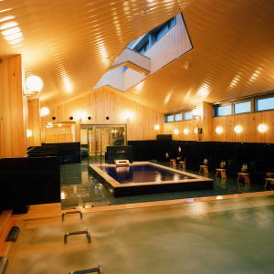 頂層的大浴場「木之湯」