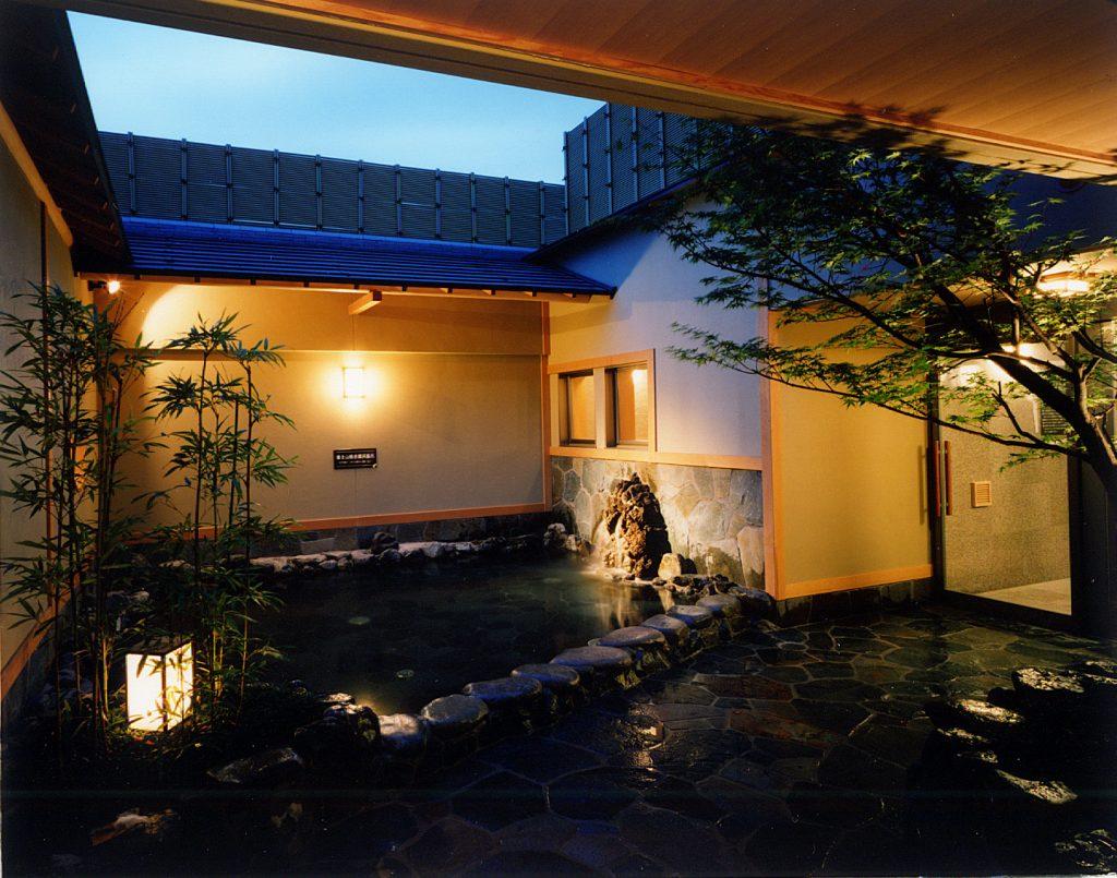 溶岩の湯露天風呂2 / 京都 旅館 松栄