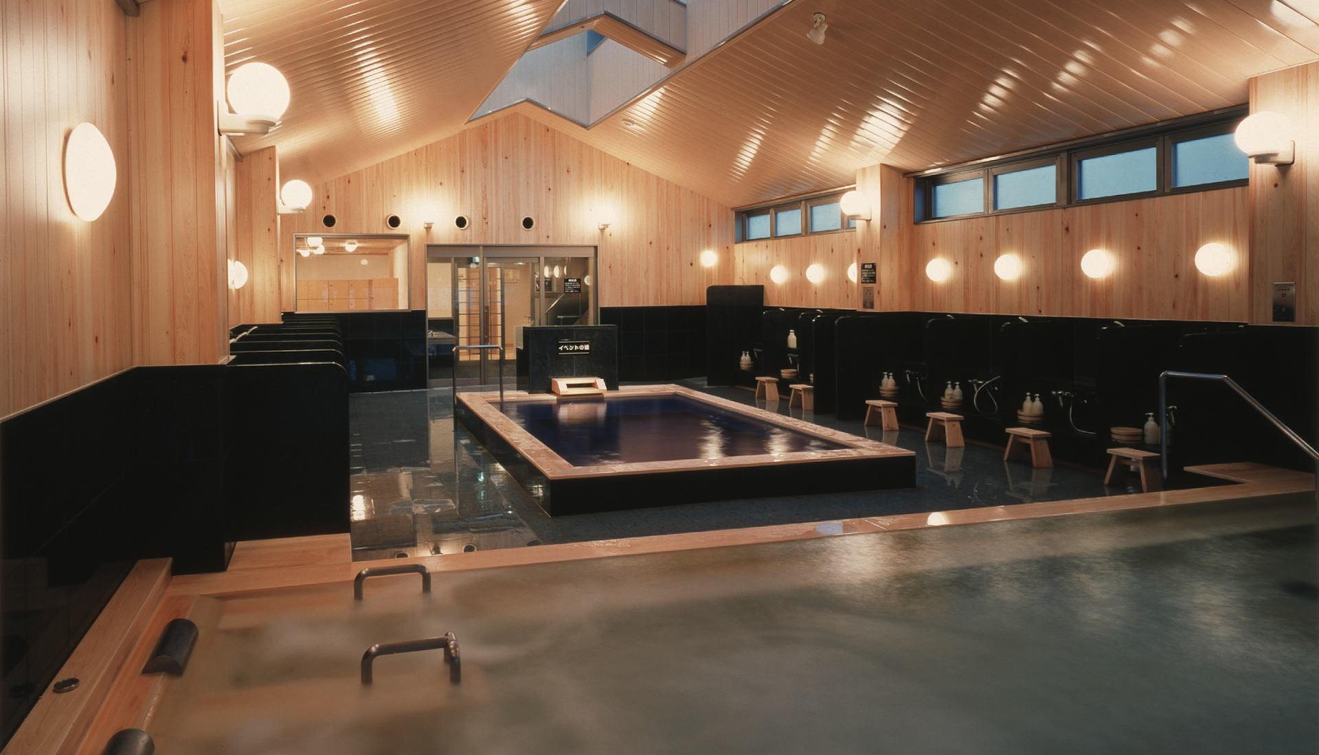 京都旅館松栄は、京都市内の旅館で随一の浴場施設。
