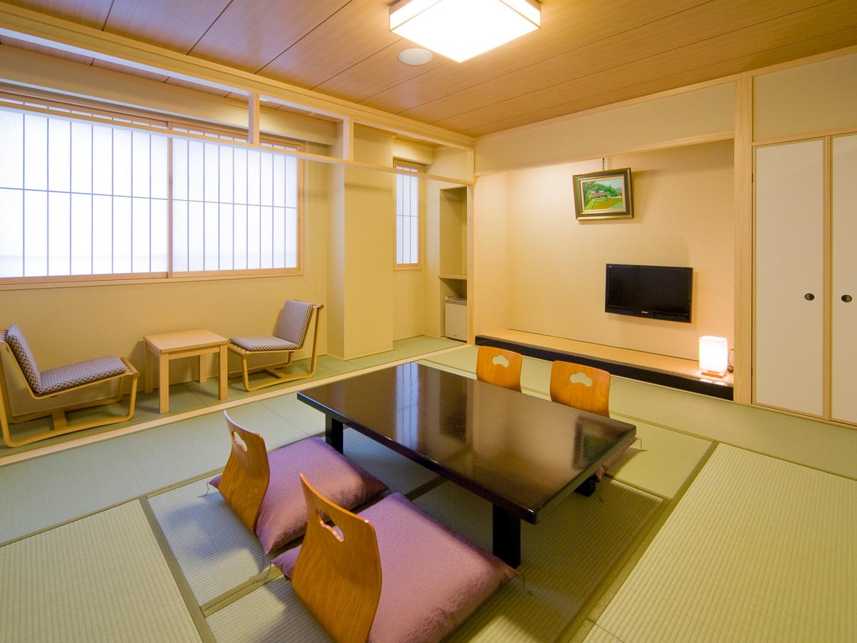 Ten-mat room / Kyoto Ryokan Shoei